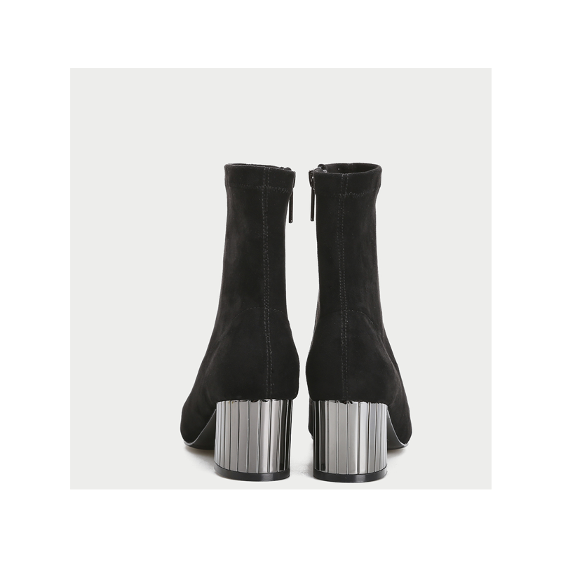 URBAN REVIVO  autumn new youth ladies accessories fashion pointed boots
